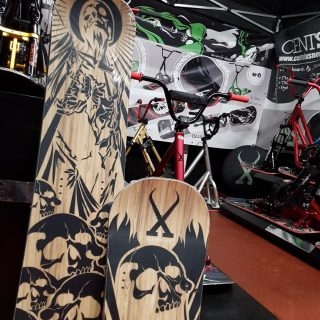 centsix-snowscoot-board-2019-front-draft-rigormortix
